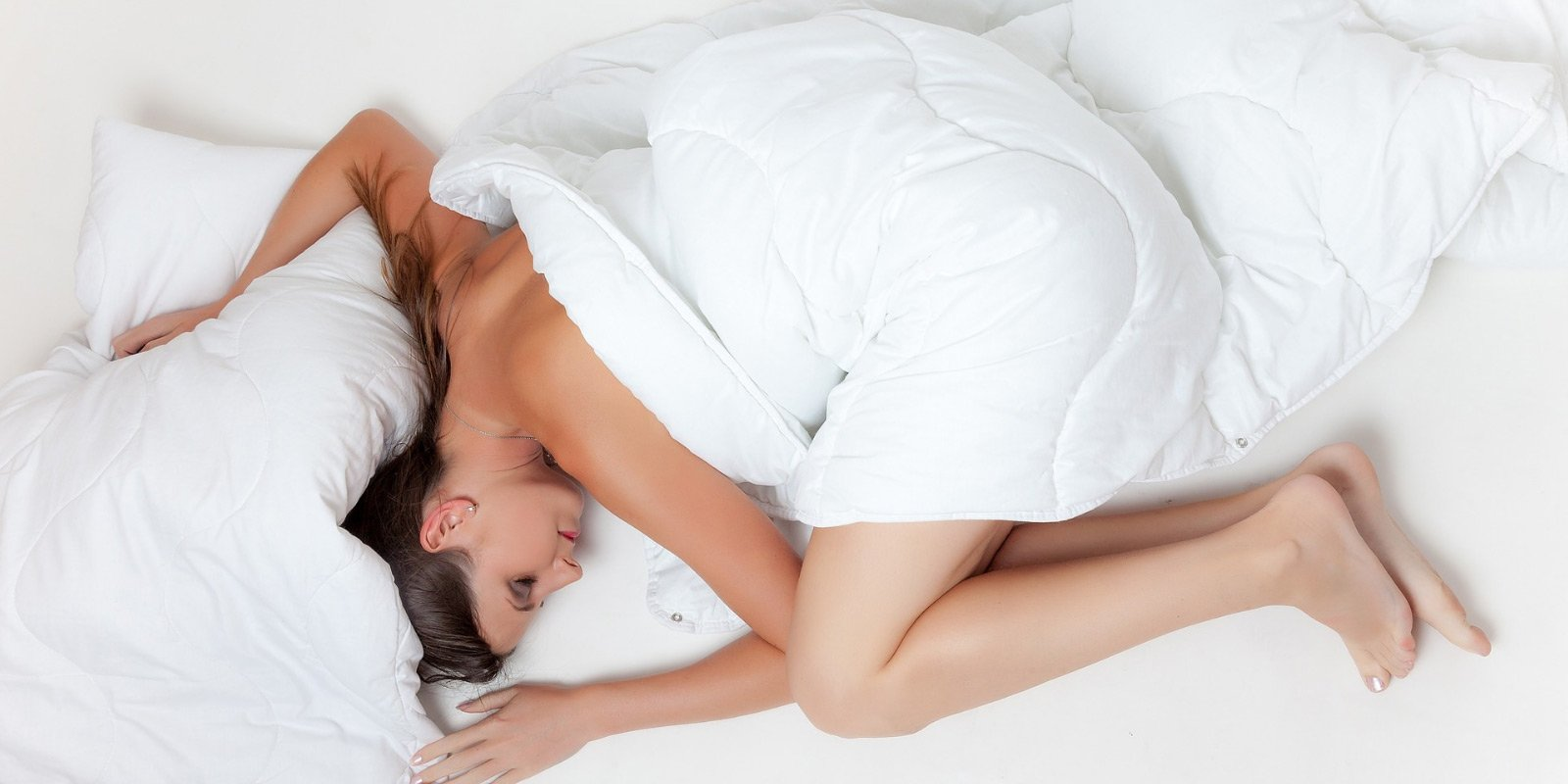 10 Bedtime Routine Sleep Tips for Glowing Skin