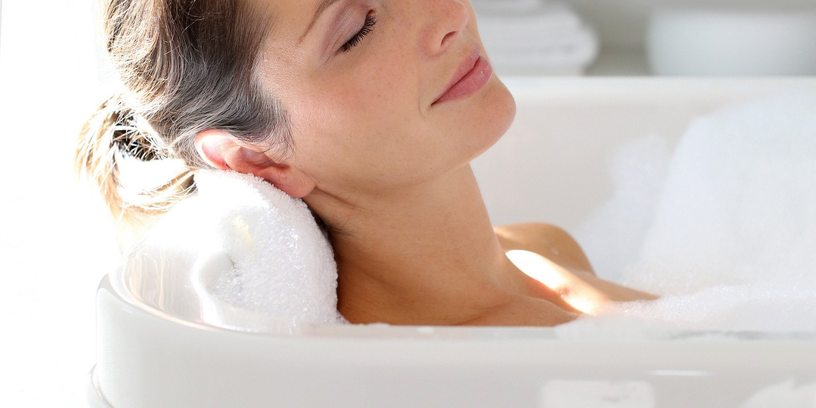 9 Easy Ways to Have a Relaxing Bubble Bath