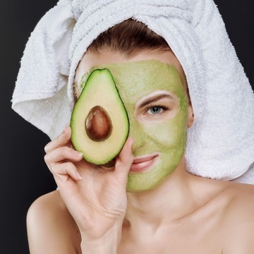 Natural Skin Care Routine and Tips for Dry Skin: 8 Easy Steps