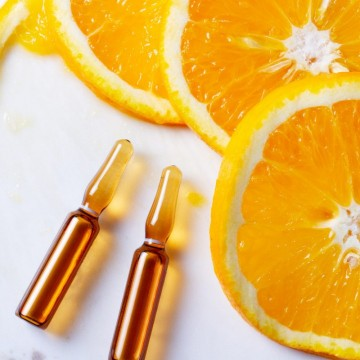 Vitamin C Serum for the Face: What is It & What are the Benefits